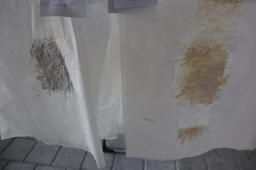 Papierschöpfen mit Naturmaterialien mit selbst gebautem Schöpfrahmen